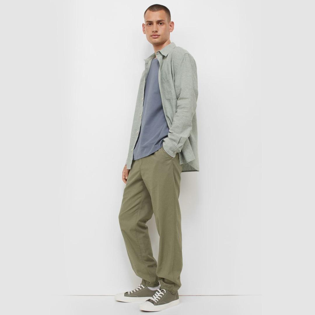 Regular Fit Linen-mix joggers - Khaki green - Men | H&M IN